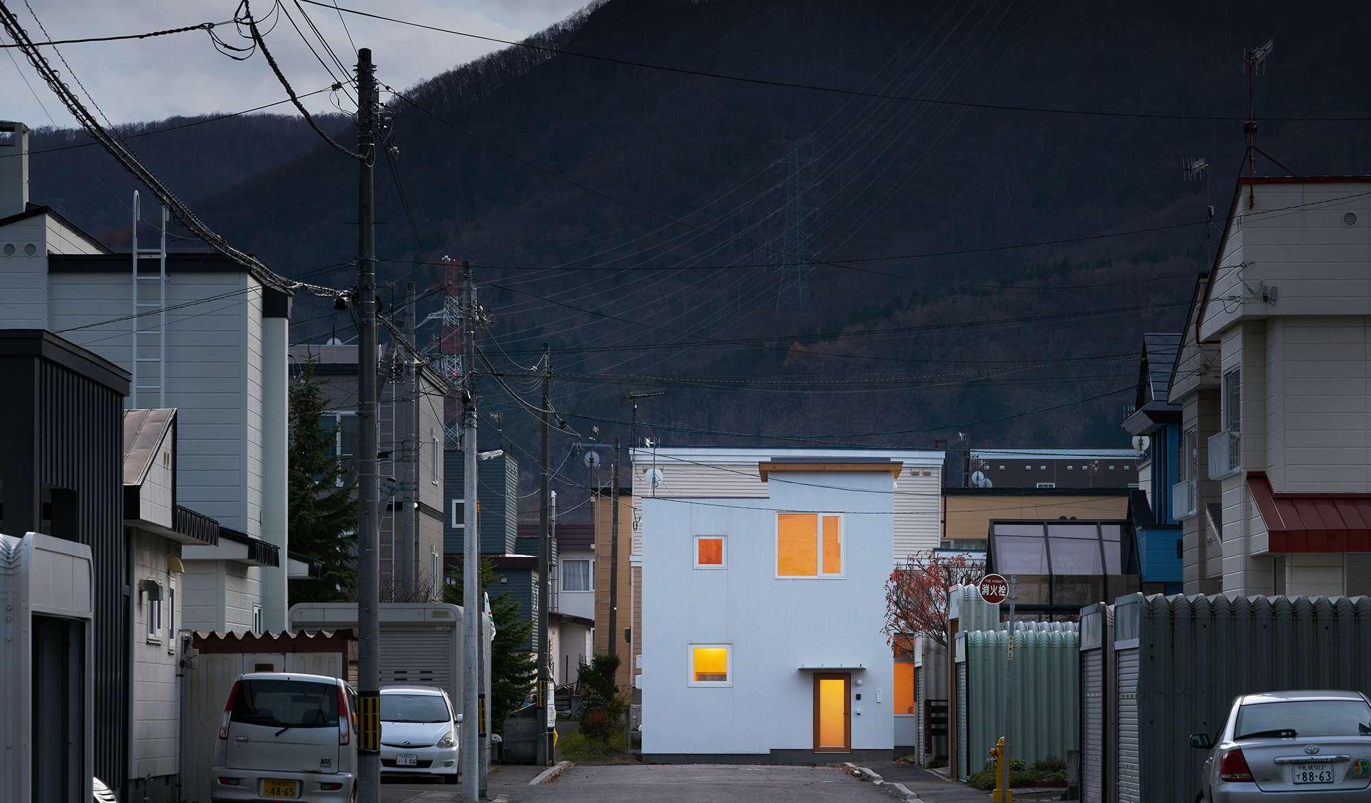 山裾の家 - House at the foot of a mountain