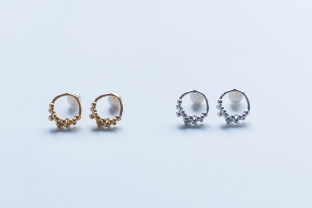pierce / ⚪︎ - 18k coating (silver 925) .  plastic pearlsilver 925 . plastic pearl -  -