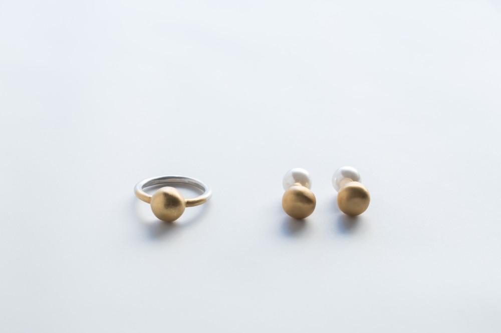 ring  /  pierce   - 18k coating (silver 925)18k coating (silver 925) . plastic pearl -  -