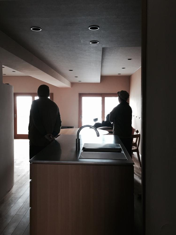- 1月にお引き渡したマンションリノベーション、最上階からの雪景色がキレイです。この日は撮影で伺いました。 -  -