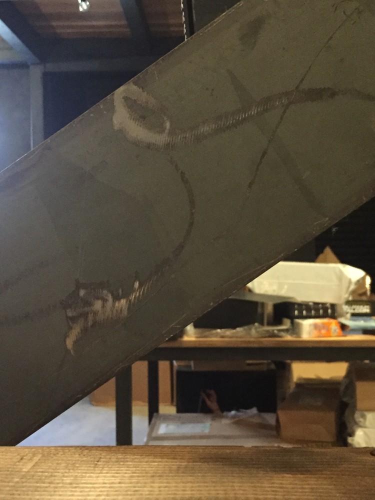 鉄骨ササラ板のキズ素地仕上げ -  -  -