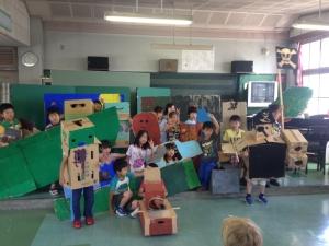 みんなで考えたストーリー。2年生は海賊が主人公でした。  「Make Factory」ワークショップ in 松恵小学校 2年生