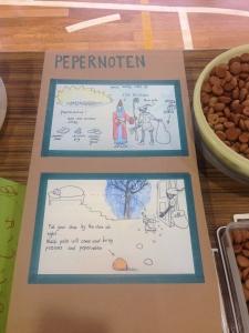 収穫祭でオランダ料理を紹介しました。  ペパーノーテンはオランダのクリスマスで食べられるお菓子です。