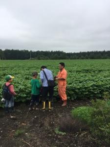 次の日は小豆農家の森田さんに会いに十勝清水町へ。