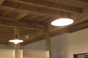 明かりをつけると雰囲気が変わります。  Photo by Mihoko Tsujita