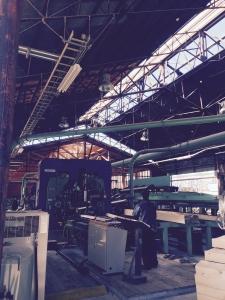 広い工場を案内していただきました。