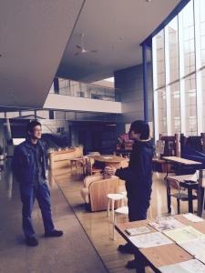 羽田野社長のご紹介で工業技術センターも見学。滝本さんと。