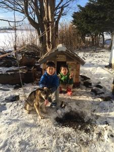 小屋の前で記念撮影