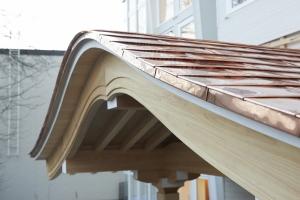 銅板葺きです。  photo Mihoko Tsujita