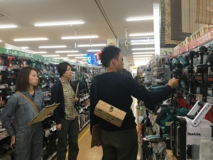 電動工具のコーナーでも。特に質問が多かったです。  photo Mihoko Tsujita