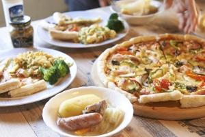 ランチにします!今日はポトフとピザです。