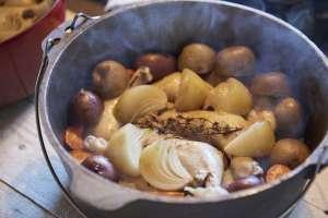 薪ストーブにかけていたダッチオーブンも開けまーす。