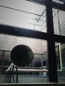 苫小牧美術博物館 中庭展示Vol.9 松井紫朗「Channel」 #樽前arty2017連携企画 - 2017/4/29-2017/8/27苫小牧市美術博物館・札幌国際芸術祭2017・樽前arty2017連携企画第一弾がついにスタートです!苫小牧市美術博物館で今日から始まる『中庭展示Vol.9 松井紫朗「Channel」』美しく、不思議で、楽しい作品です。ぜひ、ご観覧ください!第二弾は早くも明日30日。札幌市資料館で松井さんのレクチャーが開催されます!詳しくはhttp://siaf.jp/news/4916.html入場無料ですので、こちらも必見です!http://www.city.tomakomai.hokkaido.jp/hakubutsukan/tenrankai/vol9.html