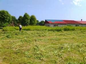 草刈り #樽前arty2017 - 「樽前arty 2017」は、8月6日開幕です!会場準備の一番は草刈り!これから週末は草刈り三昧です。