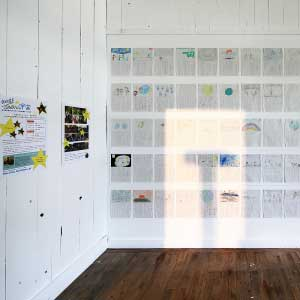 TOBIU GALLERY 企画展「飛生アートコミュニティーの挑戦 2012」 - <9 〜 14日>10:00〜16:00入場無料昨年から始まった「飛生の森づくりプロジェクト」やアーティスト富士 翔太朗の白老滞在型ワークショップ 「ARTIST In 竹浦小学校『歌う!星のこどもたち』」その他飛生アートコミュニティーの本年度の取り組みや活動内容の報告展。