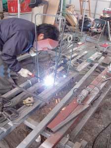 フレーム溶接 Ironwork for leg