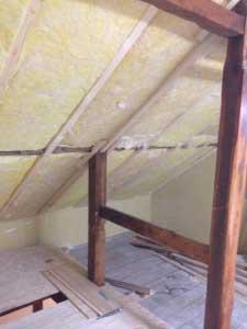 二階も進めなきゃ・・・天井の断熱。