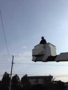 高所作業車登場。