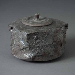 茶釜(鉄紋焼〆)