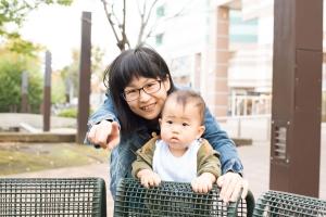 - 1歳になった息子 生まれてきてくれて ありがとうやってみようと言うと 賛成してくれる夫 ありがとう昼の息子を育ててくれている 保育園の皆 ありがとう私の働く場所 今いるここに ありがとう -  -